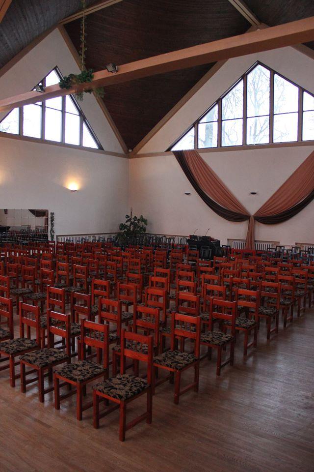 Essu suure saali istekohad teatristiilis